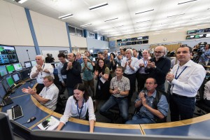 データ取得開始時LHCコントロールセンターの様子